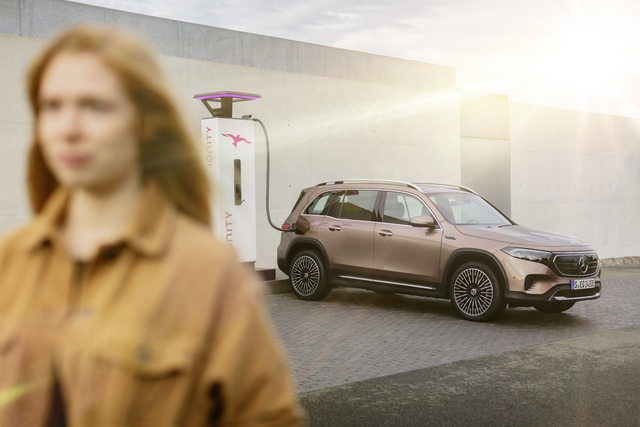Mercedes-Benz trình làng tân binh EQB, quyết tranh giành thị phần với Tesla - 2