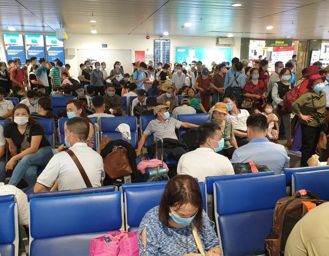 Sân bay Tân Sơn Nhất, ngày cao điểm 631 chuyến bay, gần 100.000 hành khách - 8