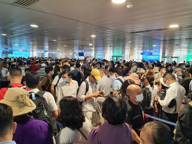 Sân bay Tân Sơn Nhất, ngày cao điểm 631 chuyến bay, gần 100.000 hành khách - 2