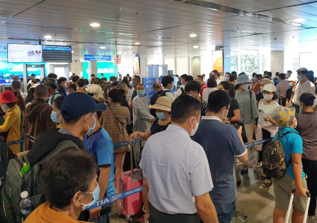 Sân bay Tân Sơn Nhất, ngày cao điểm 631 chuyến bay, gần 100.000 hành khách - 3
