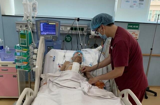 Cụ bà 82 tuổi dùng dao ăn trầu tự đâm thủng tim mình - 1