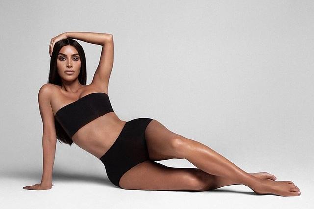Tập gym từ 6 giờ sáng, vòng eo của Kim Kardashian nhỏ thấy rõ - 8