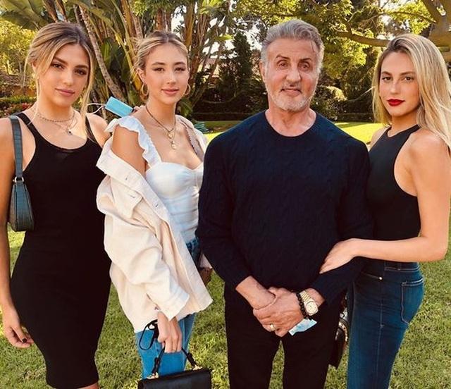 Ba cô con gái xinh như thiên thần của Rambo Sylvester Stallone - 2