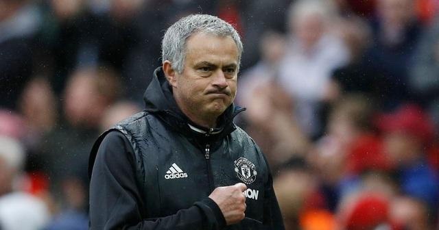 Choáng với số tiền lớn khủng khiếp HLV Mourinho nhận được khi bị sa thải - 11