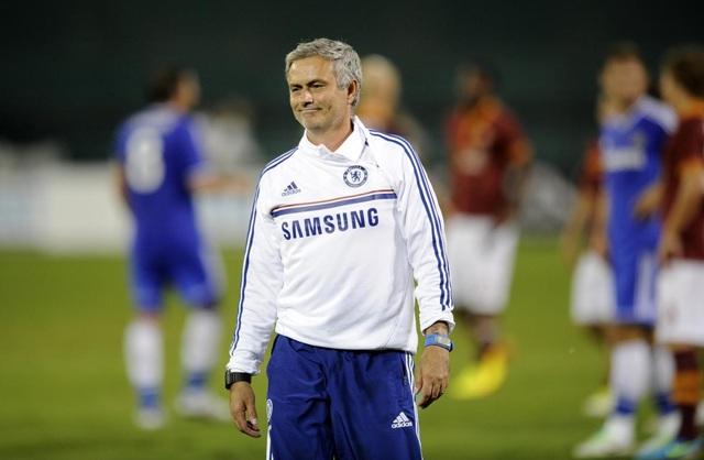 Choáng với số tiền lớn khủng khiếp HLV Mourinho nhận được khi bị sa thải - 7