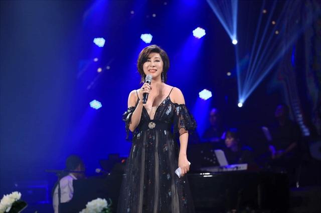 Hương Giang đá sân hát bài Nguyễn Ánh 9 viết tặng danh ca Khánh Ly - 1