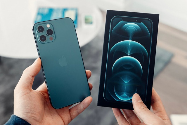 Liên tục giảm giá, iPhone 12 Pro Max hàng cũ vẫn bị người dùng ngó lơ - 1