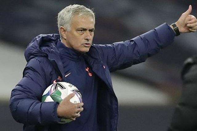 Choáng với số tiền lớn khủng khiếp HLV Mourinho nhận được khi bị sa thải - 14
