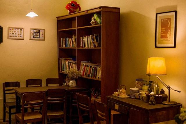 Quán cà phê ở khu tập thể cũ, cất giữ khoảng trời tuổi thơ của bao người - 4