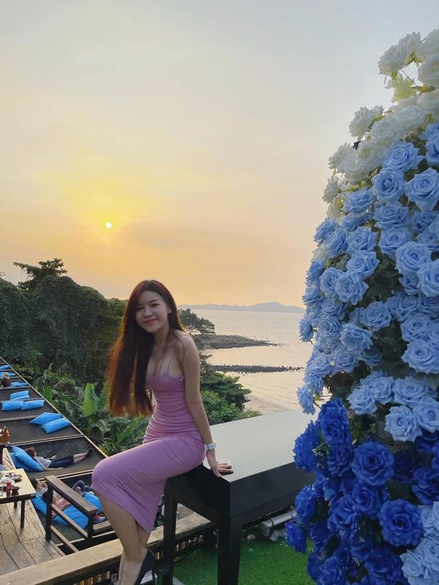 Bí quyết yêu xa bền chặt của thủ thành Đặng Văn Lâm và bạn gái nóng bỏng - 3