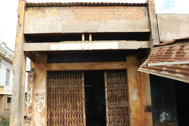 Thương cảnh ba bà cháu từ gánh bún trong ngôi nhà bỏ hoang đến góc chợ - 6