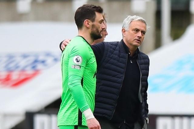 Hé lộ thông tin cực sốc về việc HLV Mourinho bị sa thải - 2