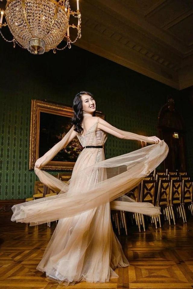 Được hậu thuẫn khủng, công chúa Huawei vẫn mờ nhạt trong làng giải trí - 5