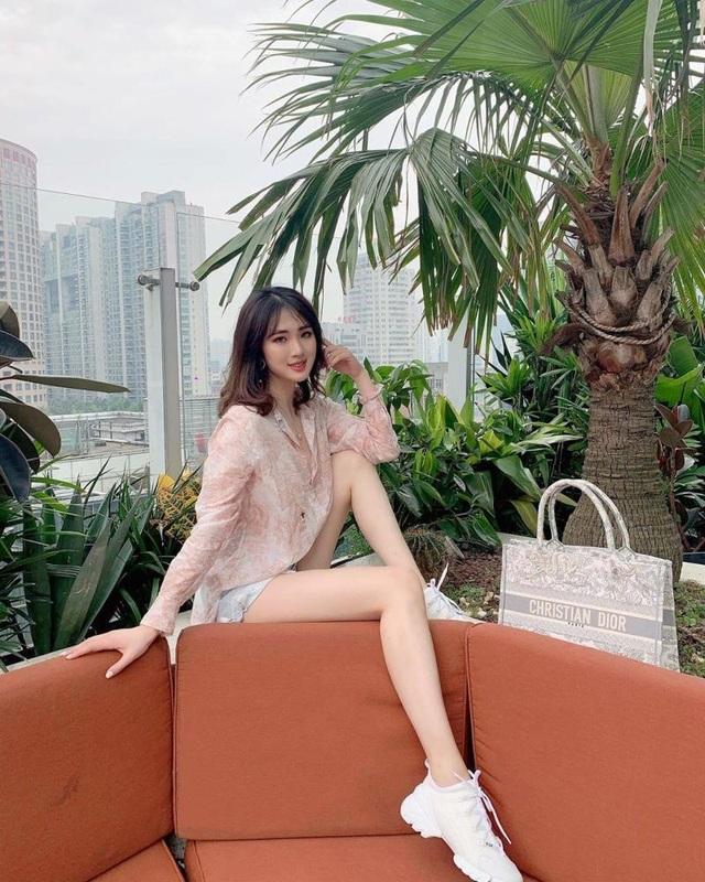Được hậu thuẫn khủng, công chúa Huawei vẫn mờ nhạt trong làng giải trí - 13