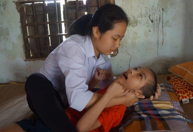 Xót xa hoàn cảnh cậu bé mắc căn bệnh hiếm gặp trên thế giới - 5