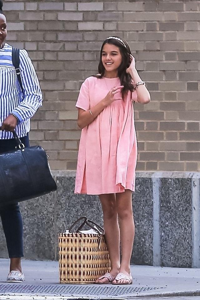 Con gái tài tử Tom Cruise xinh xắn, phổng phao ở tuổi 15 - 19