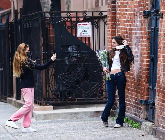 Con gái tài tử Tom Cruise xinh xắn, phổng phao ở tuổi 15 - 12