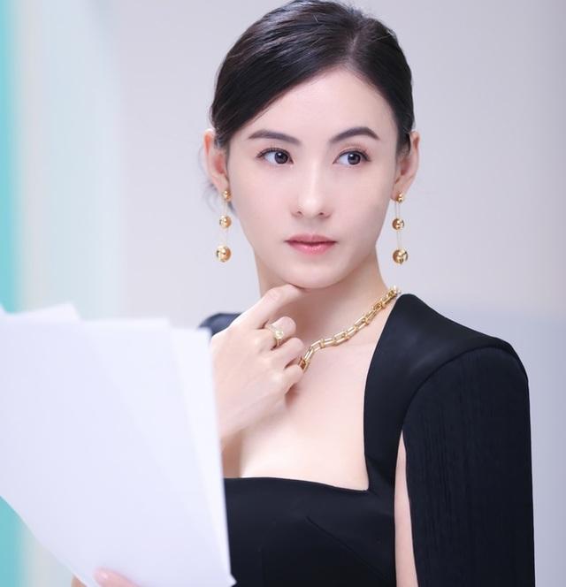 Bị loại khỏi show truyền hình vì hát kém, Trương Bá Chi vẫn kiếm bộn tiền - 6