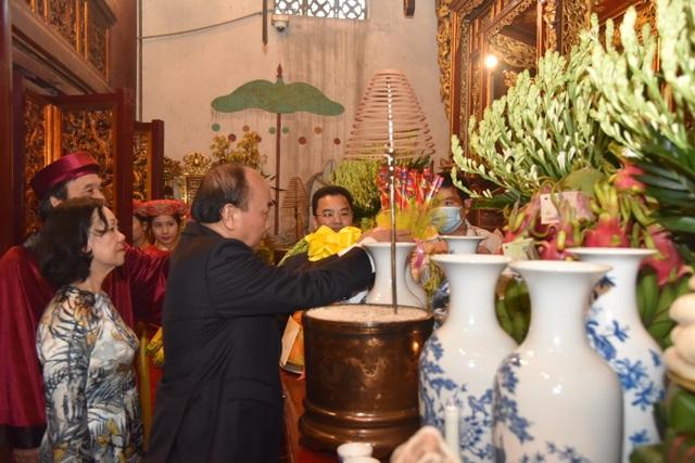 Chủ tịch nước Nguyễn Xuân Phúc dâng hương tưởng nhớ các Vua Hùng - 5