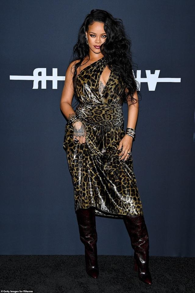 Rihanna vung hàng chục triệu USD mua 2 siêu biệt thự cạnh nhau - 3