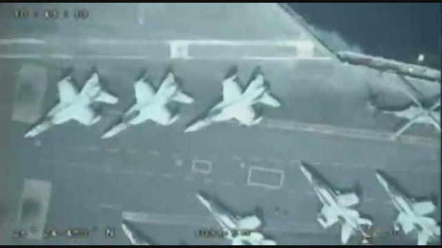 Iran tung video máy bay không người lái lượn trên đầu tàu sân bay Mỹ - 1