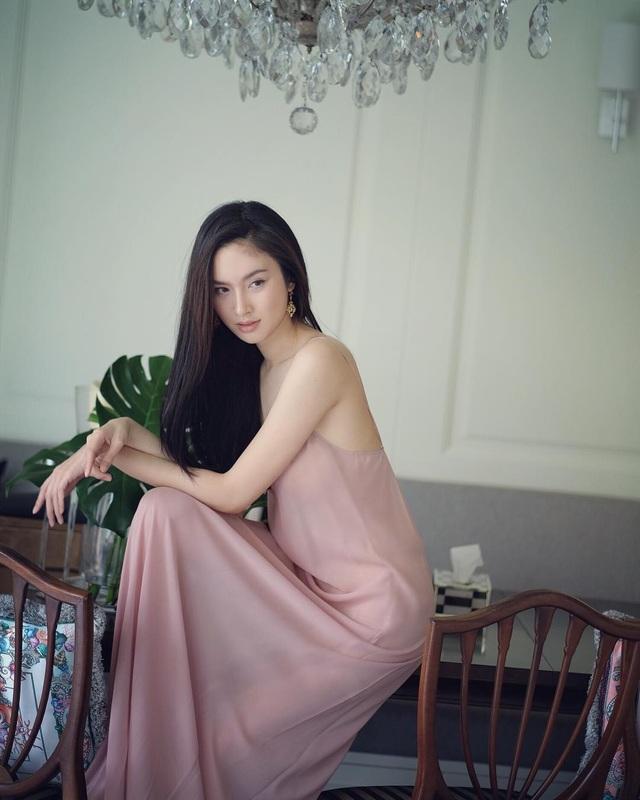 Vẻ gợi cảm khó cưỡng của mỹ nhân chuyển giới đẹp nhất Thái Lan - 9