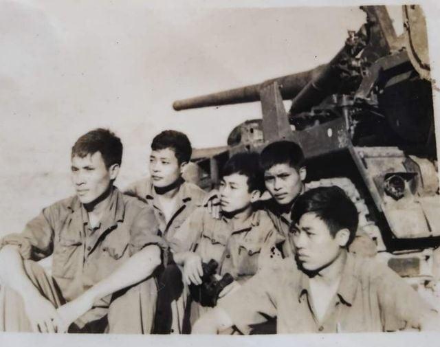 Nhật ký ngày giải phóng Sài Gòn: Trận đánh này tất cả phải mặc quần áo mới! - 1