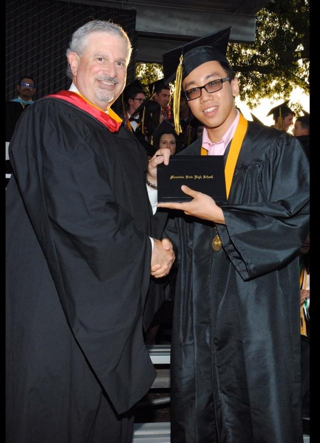 Cựu học sinh Quốc tế Á Châu đạt học bổng tiến sĩ ở tuổi 23 - 1