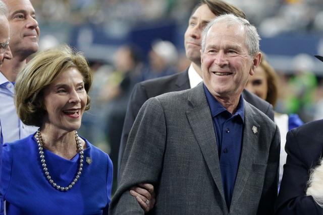 Ông Bush tiết lộ người được ông viết tên trong phiếu bầu tổng thống 2020 - 1