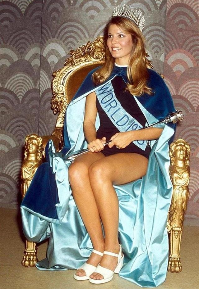 Hoa hậu Thế giới bị tước vương miện vì yêu nhiều người cùng một lúc - 1