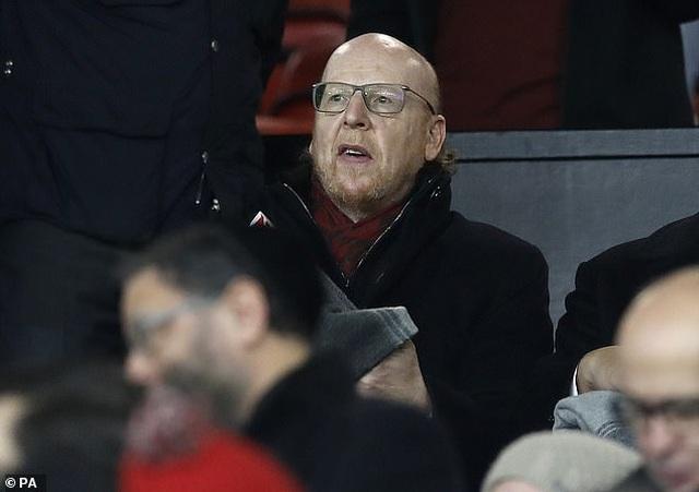 Ông chủ Man Utd có động thái gây sốc, cổ động viên nổi điên - 1