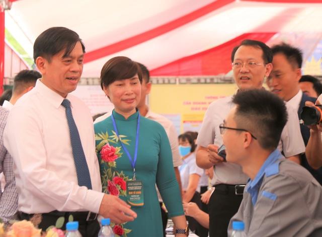 Hà Nội: 250 vị trí việc làm có mức lương trên 30 triệu đồng/tháng - 3
