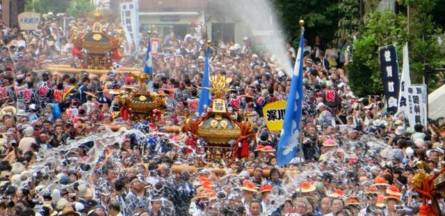 Lễ hội té nước lớn nhất Nhật Bản thu hút nửa triệu người xem mỗi năm - 6