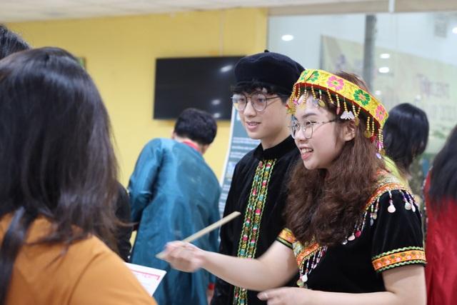Học sinh phổ thông làm dự án để lấy điểm thi học kỳ - 1