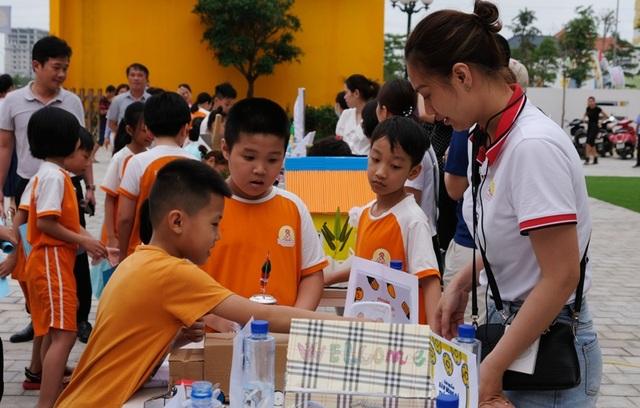 Ngày hội khuyến khích học sinh yêu khoa học - 1