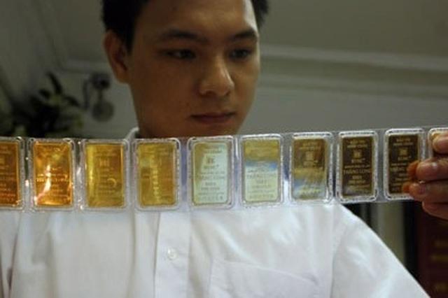 Giá vàng tiếp tục tăng vọt, lực mua ồ ạt - 1