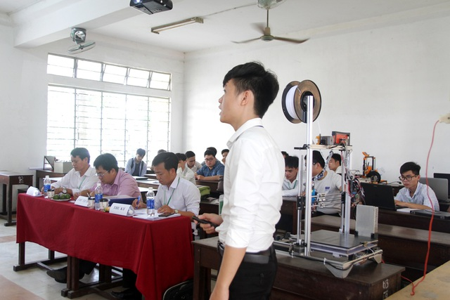 Vừa bảo vệ khóa luận, sinh viên được doanh nghiệp tuyển dụng ngay - 1