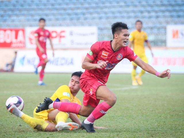 Anh Đức không thi đấu, CLB Long An vẫn thắng sốc CLB Bình Định - 5