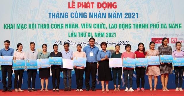 Đà Nẵng: Trao tặng người lao động khó khăn về chỗ ở 22 mái ấm công đoàn - 1