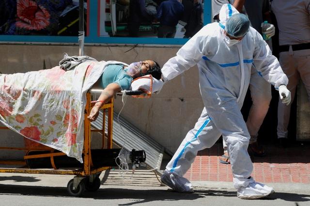 Ấn Độ xô đổ kỷ lục thế giới, số người chết tăng 89% trong 1 tuần - 1