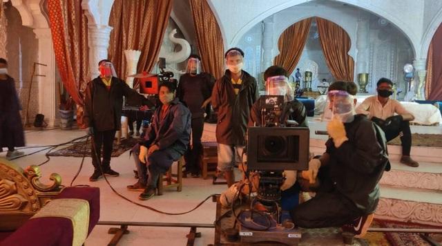 Kinh đô điện ảnh Bollywood quay cuồng trong cơn đại dịch Covid-19 - 2