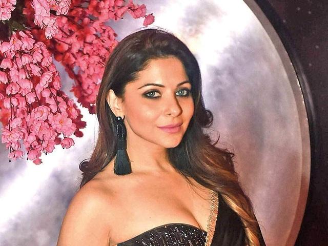 Kinh đô điện ảnh Bollywood quay cuồng trong cơn đại dịch Covid-19 - 1