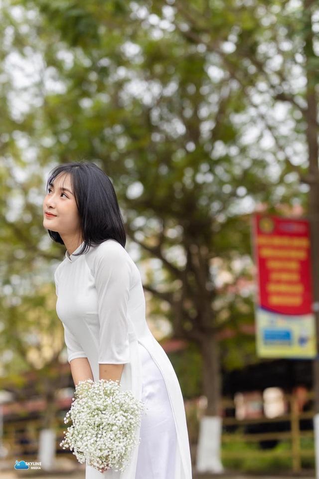 Bị chụp lén, cô giáo Thanh Hóa nổi tiếng bất thình lình vì quá xinh - 7