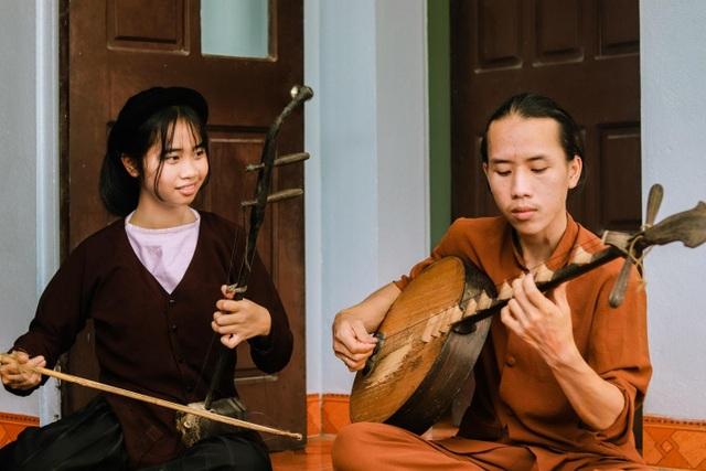 Chàng trai 10X đam mê hát Xẩm trên quê hương nghệ nhân Hà Thị Cầu - 4