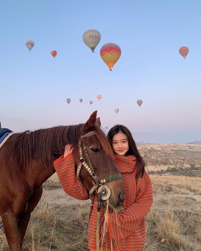 Cô gái xinh đẹp được so với công chúa Jennie nhóm nhạc Blackpink - 5