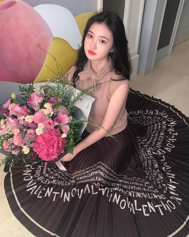 Cô gái xinh đẹp được so với công chúa Jennie nhóm nhạc Blackpink - 15