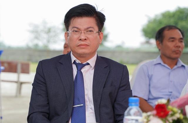 Trao tặng 350 triệu đồng giúp học sinh nghèo quê hương anh hùng Phạm Tuân - 3