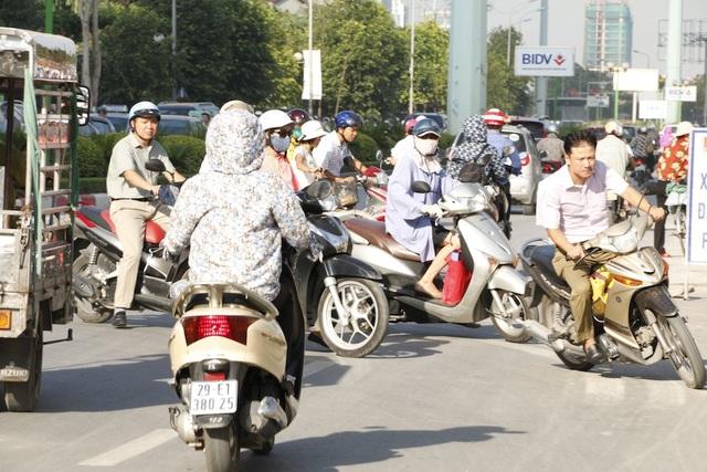 Luồn lách, cướp làn khi tham gia giao thông: ý thức kém hay hạ tầng yếu? - 5