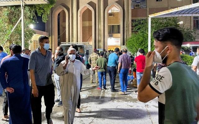 Cháy bệnh viện điều trị Covid-19 ở Baghdad, gần 30 người chết thảm - 1