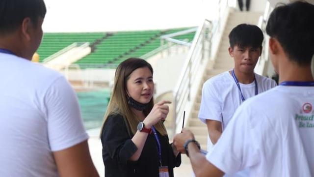 Kanya Keomany: Người lãnh đạo xinh đẹp và đầy tài năng của bóng đá Lào - 2